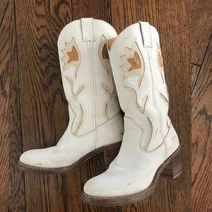 Super rare! White Frye Sabrina Campus Boots